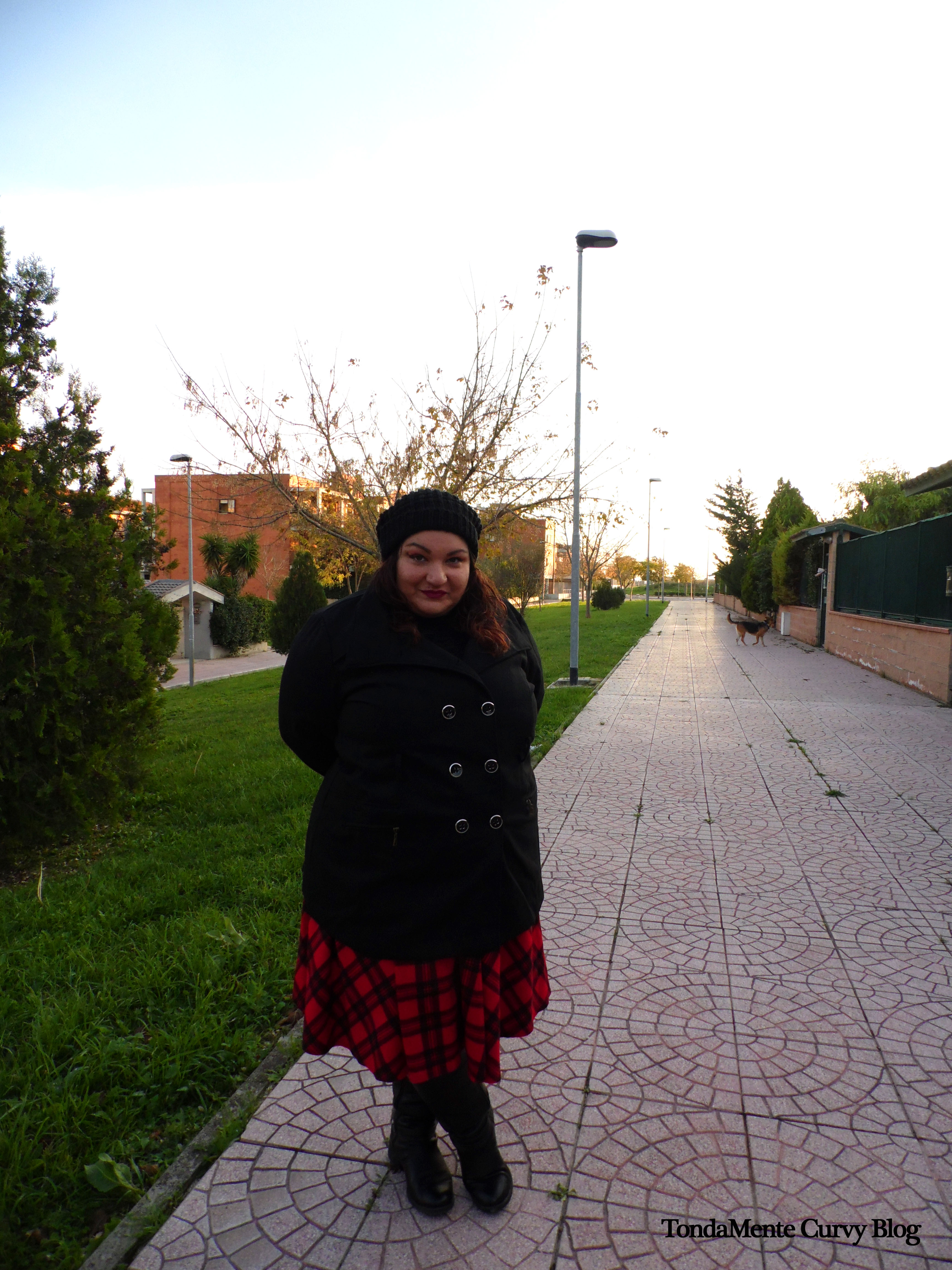 Curvy & Plus Size Outfit Gonna Tartan Cappotto Nero